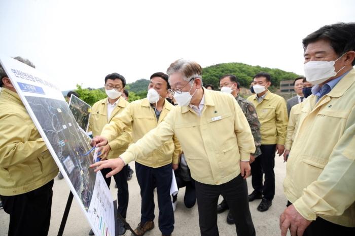 2020년 5월 8일 연천 멧돼지 ASF 방역현장 방문.jpg